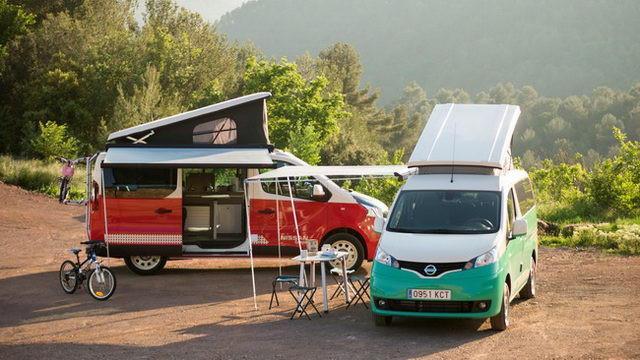 e-NV200(右)及 NV300 同被改裝成露營車。
