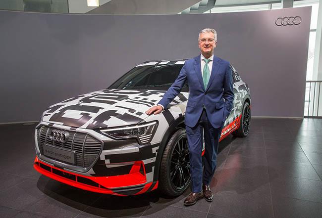 Audi 主席 Rupert Stadler 於剛舉行的年度新聞發布會上表示,e-tron 大概售 80,000 歐元起。