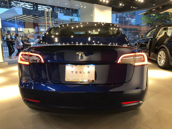 Tesla Model 3 已進駐灣仔零售店。