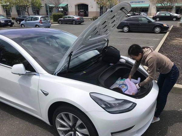 Tesla Model 3 車頭竟是換片最佳位置?