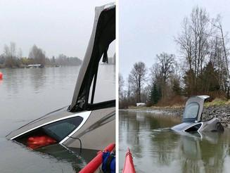 Tesla Model S 失車被棄進河!車內竟有一大袋洋蔥
