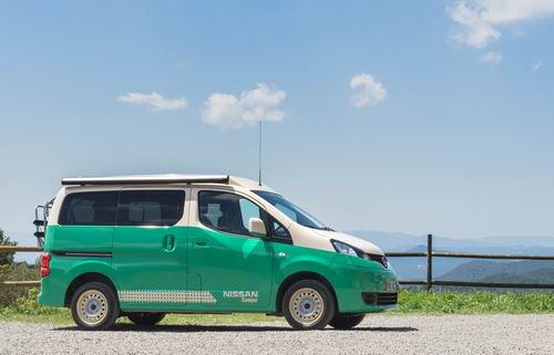 e-NV200 被改裝成露營車。