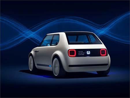 Honda Urban EV Concept 車尾設計同樣得意。