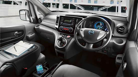 Nissan e-NV200 Evalia 內裝設計實而不華。