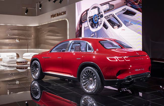 The Vision Mercedes-Maybach Ultimate Luxury 採用三廂式高車身設計。