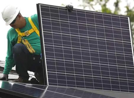Uso de energia solar reduz a conta de luz em até 80% e combate aquecimento global