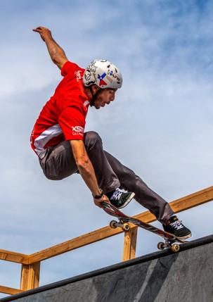 TX Stunt Jam - Hi Flying Skateboarder