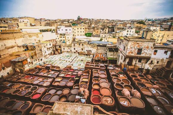 Fes-Maroc-Les-tanneries-Chouara-01.jpg