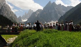 Choir Alta 2.jpeg