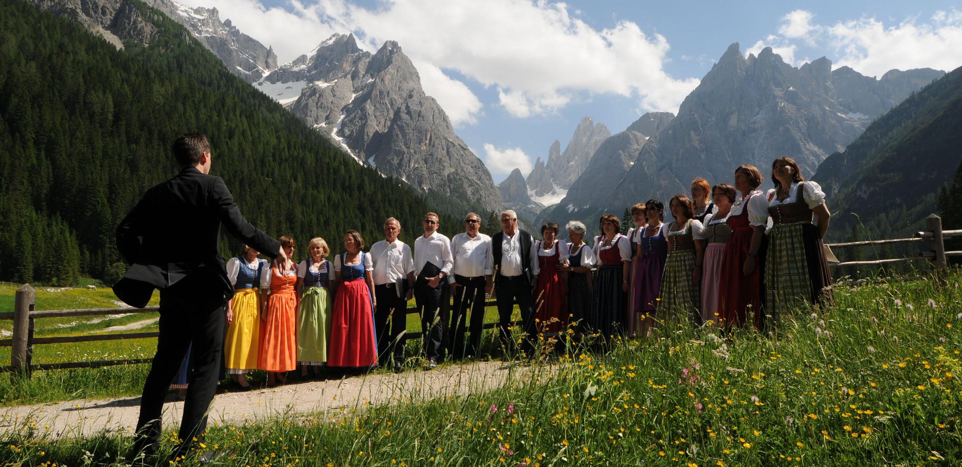 Choir Alta 1.jpeg