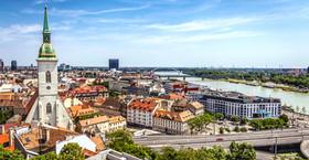Bratislava Depositphotos_42492097_m-2015