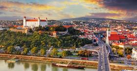 Bratislava Depositphotos_33749331_m-2015