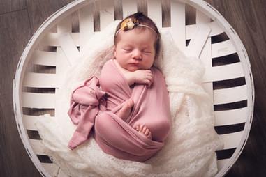 Sullivan Newborn-4.jpg