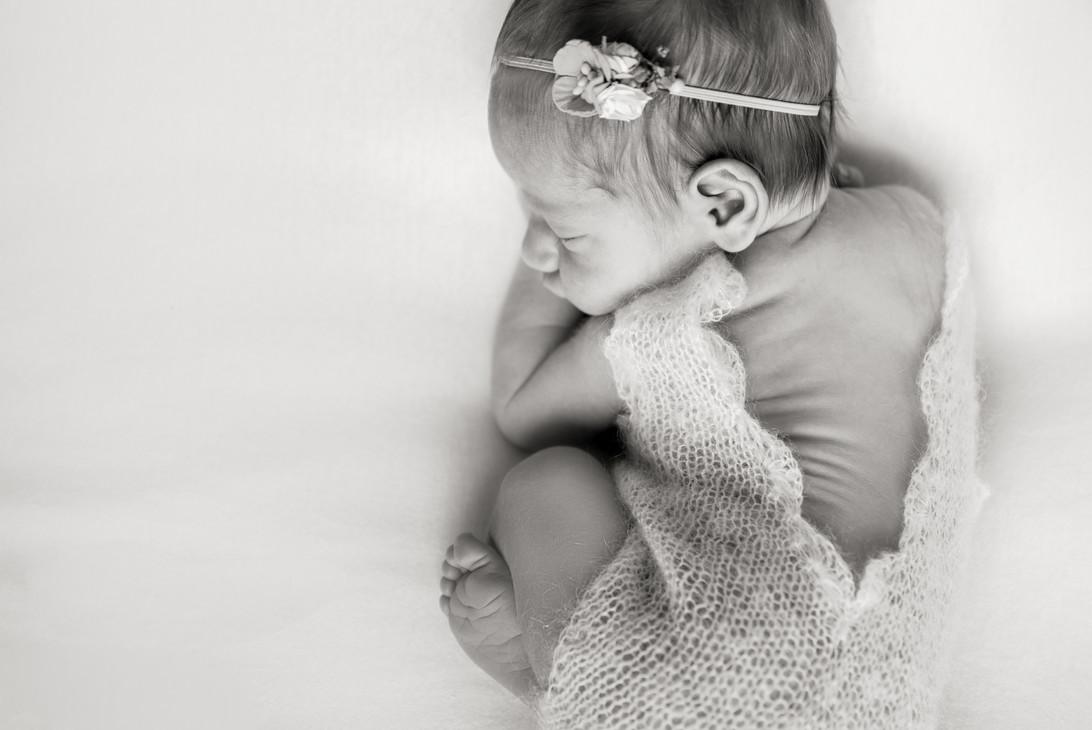 Bruhnke - Cecily Newborn-10 BW.jpg