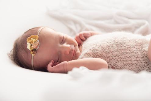 Bruhnke - Cecily Newborn-8.jpg
