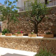 Muro in pietra lavorata cod. 15