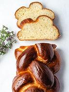 Challah-Bread-vertical-overhead-sliced-k