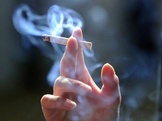 Что происходит с зубами курильщиков?