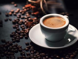 Крепкий и черный — таким должен быть кофе, чтобы не навредить зубам