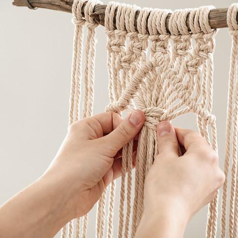 Makramee Wandbehang auf Treibholz! (Kleine Version ca. 30cm breit x Wunschlänge) (abgesagt/verschoben)