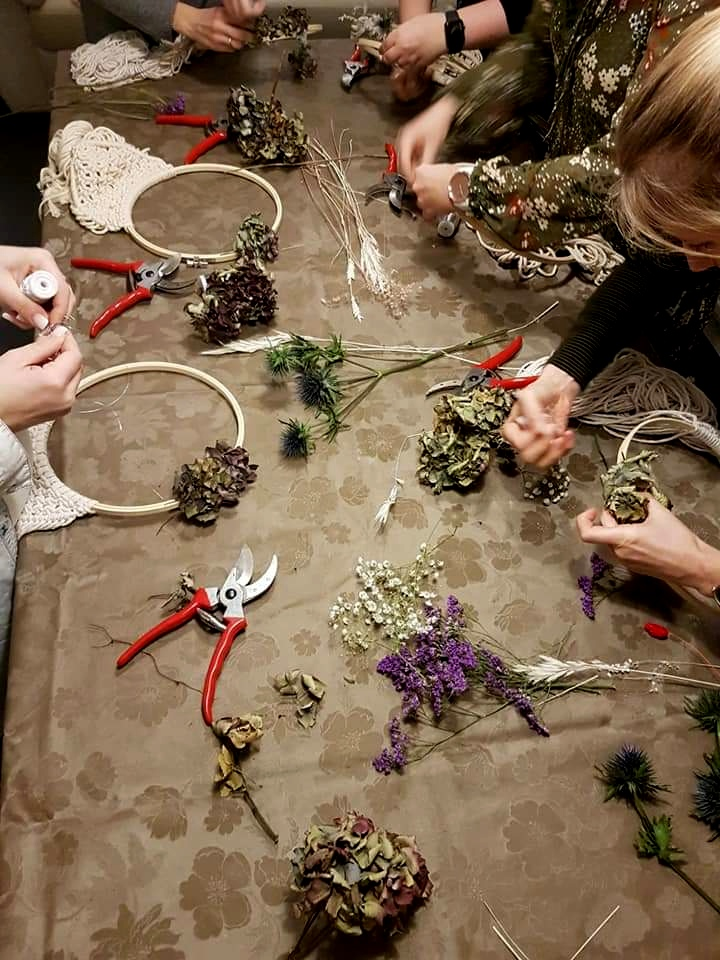 BardoKat-Designs-Makramee-Flower-Hoop
