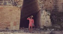 Disfrutando las ruinas