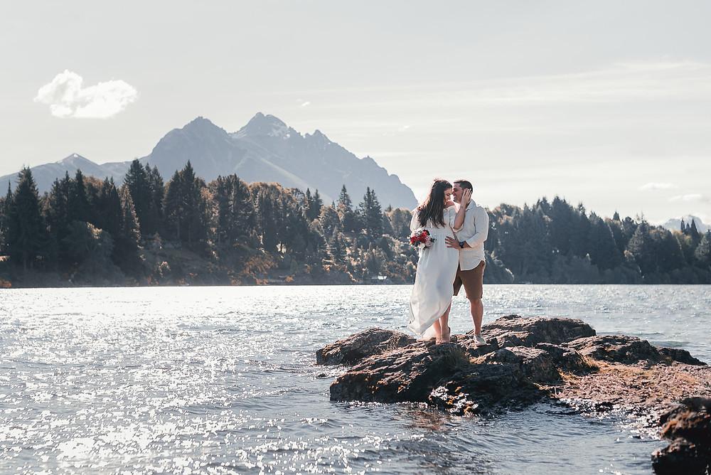 Pedido de Casamento em Bariloche Fotógrafo brasileiro em Bariloche Ensaio Pré Wedding em Bariloche Ensaio em Bariloche Lua de Mel Trash the Dress Elopement Destination Wedding em Bariloche