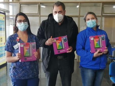 AmiChile dona tablets a enfermos de covid-19 internados en Castro