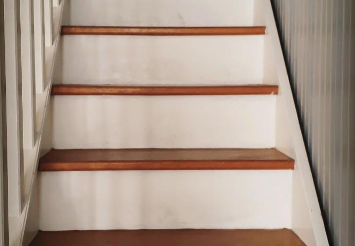 escalier blanc avant