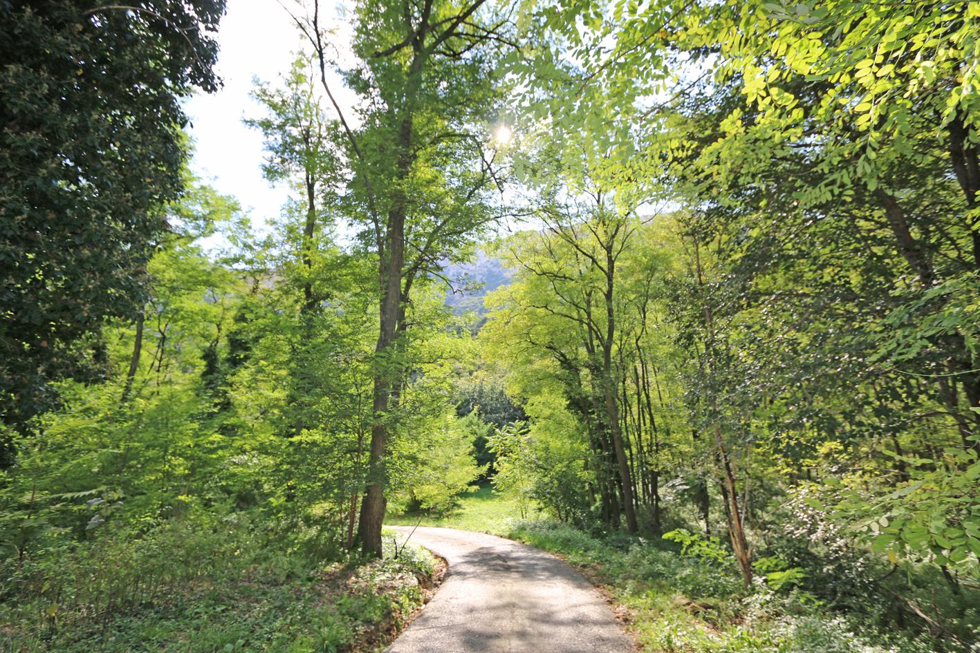 19 marked tourist trails in Baska