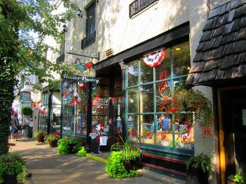 Saugatuck Shopping