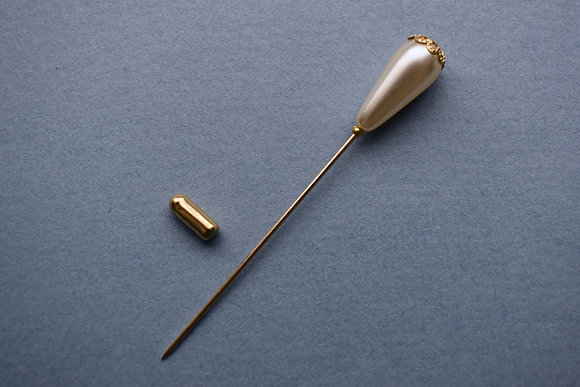 Ivory Glass Pearl & Gold Lapel Pin