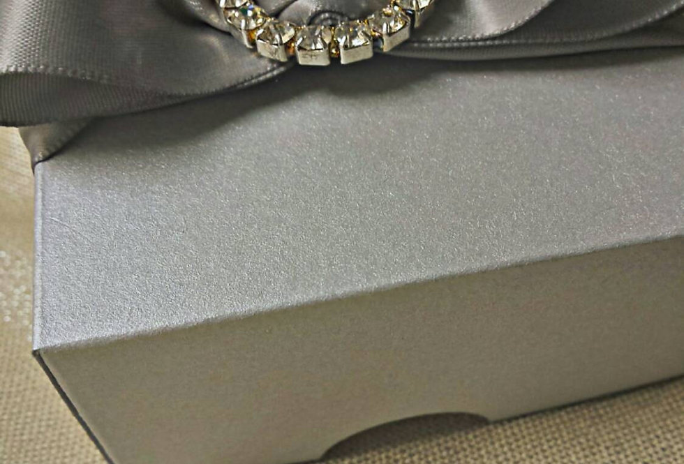 Custom Design,  Amira design,  Wedding favors,  Party favors,  Couture favors,