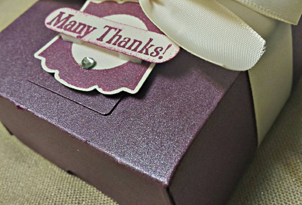 Custom Design,  Amira design,  Wedding favors,  Party favors,  Couture favors,