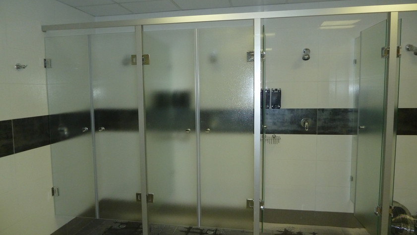 Gym Shower Partitions