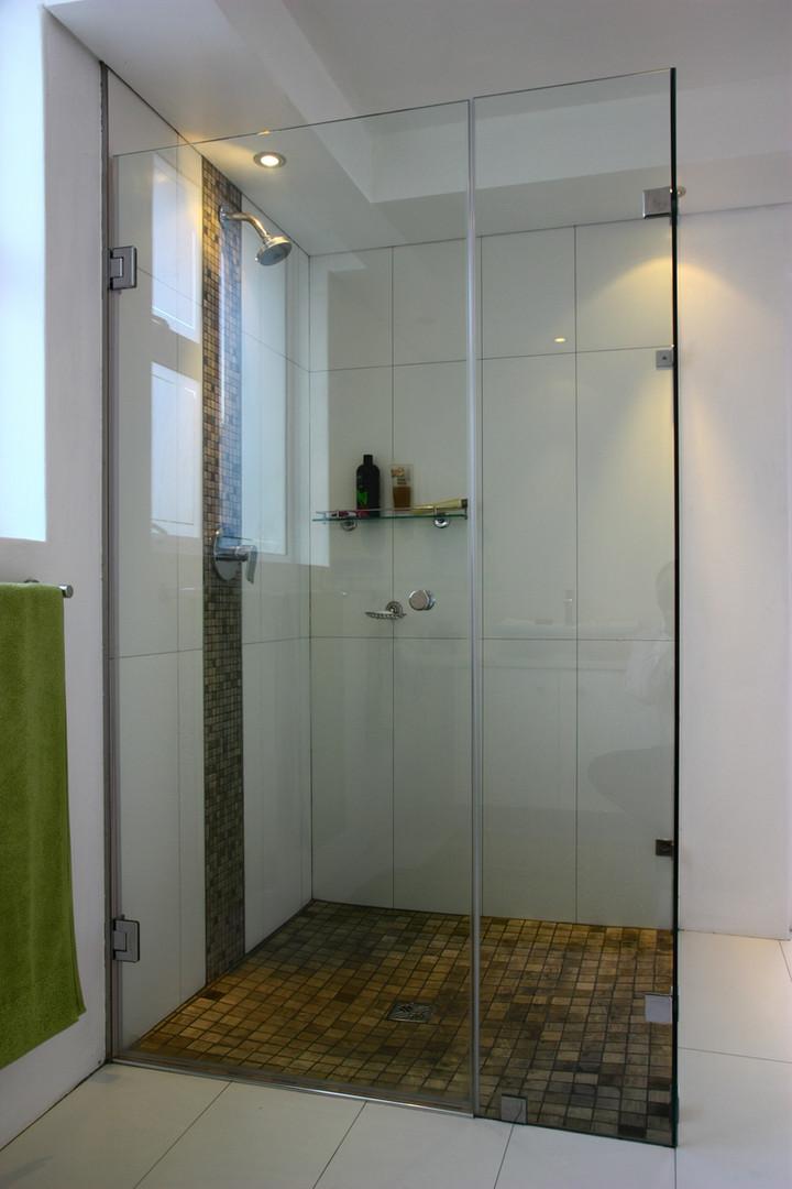 Corner Shower Unit