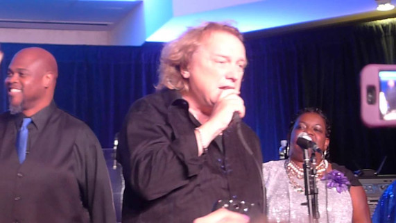 Lou Gramm - I Want To Know What Love Is (Foreigner cover) - 7/31/14