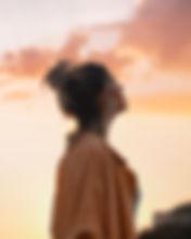 woman-looking-towards-the-sky-3131819.jp