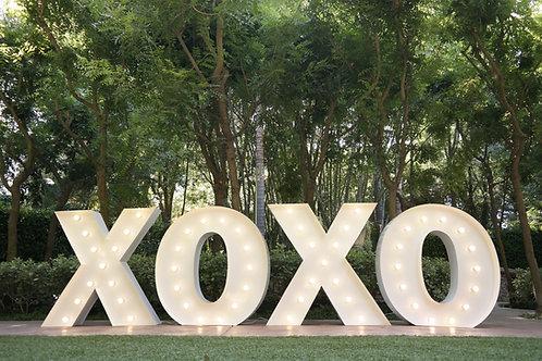 4 Ft XOXO