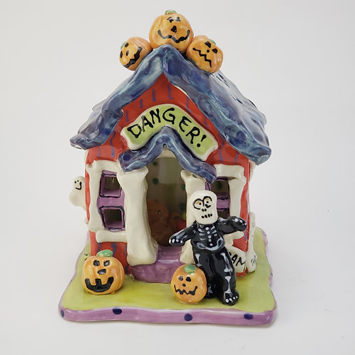 Skelton, Danger!! Night Light House