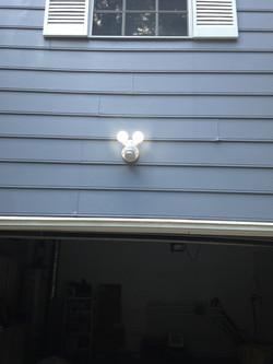 Motion detector flood light