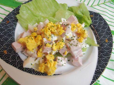 厚切りハムとゆで卵のサラダ