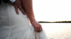 wedding ring bride hand