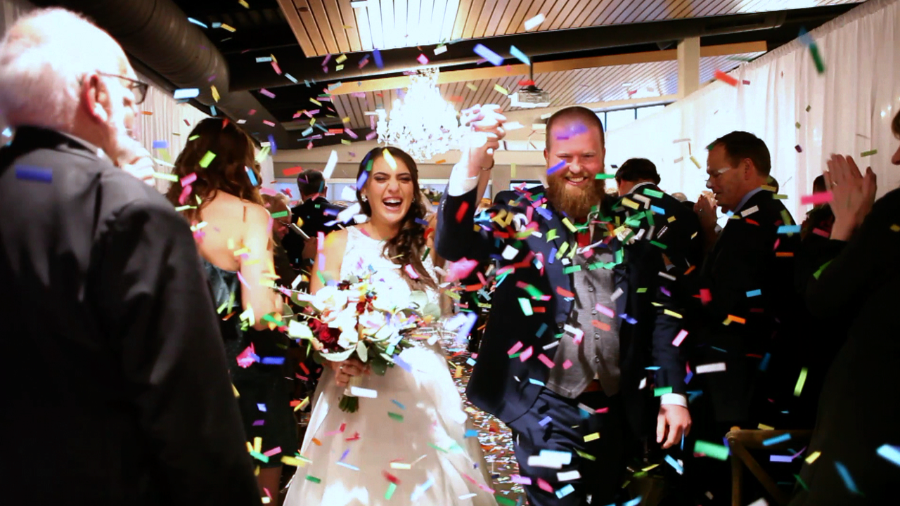 wedding bride groom confetti