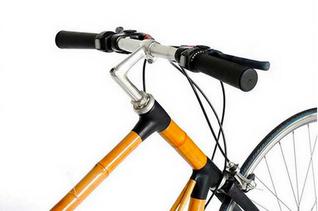 Inventan bicicleta de bambú que transforma energía cinética en electricidad