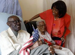 El esposo tiene 108 años, su esposa 105, y celebran 82 años de matrimonio