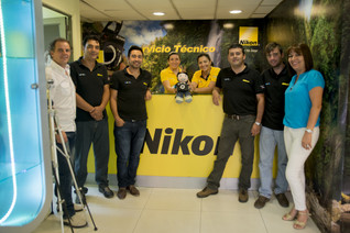 Nikon Chile tiene nuevo embajador, el Coleccionista de Sonrisas