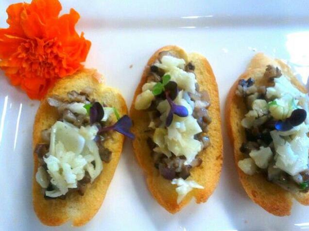 Mushroom Bruschetta w/ Cauliflower