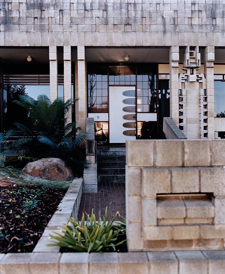 Kessell House, I Iwanoff, Perth