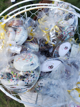 Another thank you to Bella Shaye Sweets for bringing some chocolate-covered cookies and pretzels out for our volunteers and patrons to take home with them!